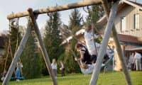 Gasthof Brunnlechner Spielwiese Kinderschaukel